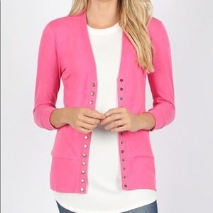 Sweaters - **NEW NEVER WORN** 3Qtr sleeve snap cardigan!